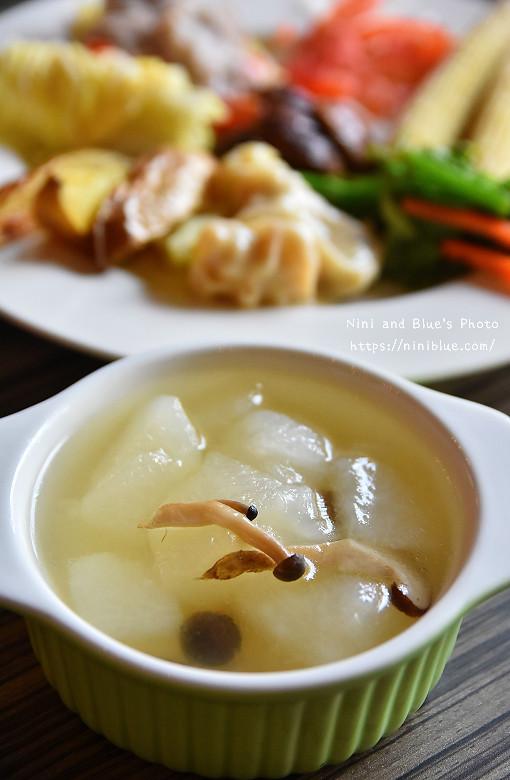 30324065832 c671f81d19 b - 【熱血採訪】陶然左岸,嚴選當季鮮蔬、台灣小農生產,推廣健康飲食觀念,是蔬食但非全素吃到飽餐廳