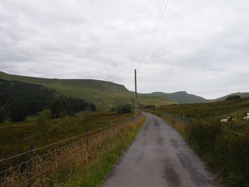 Road from NT Car Park to Neuadd Reservoir