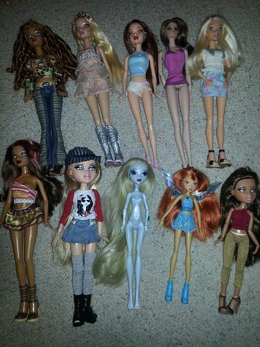 all this dolls on ebay!