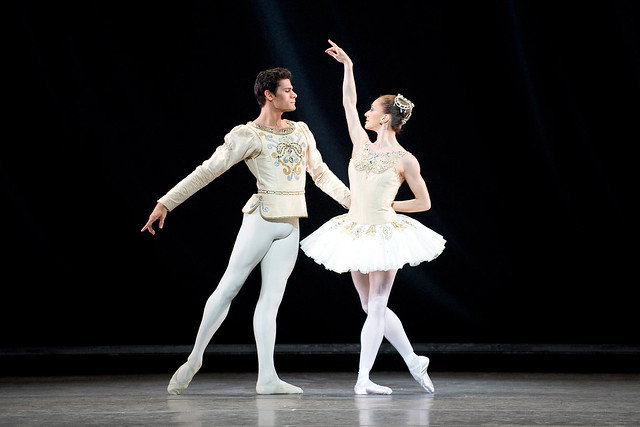 Thiago Soares and Marianela Nunez in Jewels © ROH/Tristam Kenton, 2012