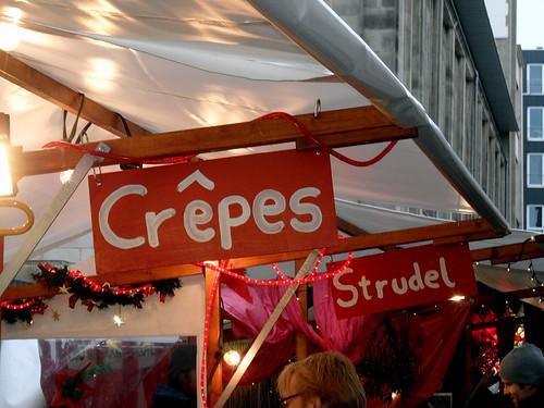 Crêpe-Stand auf dem Weihnachtsmarkt