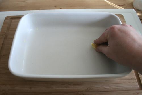 30 - Auflaufform ausfetten / Grease casserole