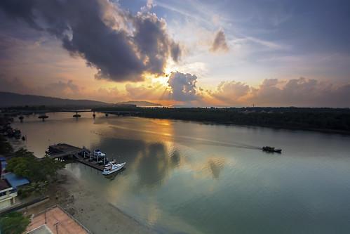 morning bridge sunrise river day cloudy kuantan megaview tanjunglumpur megaviewhotel sungaikuantan goodmorningkuantan