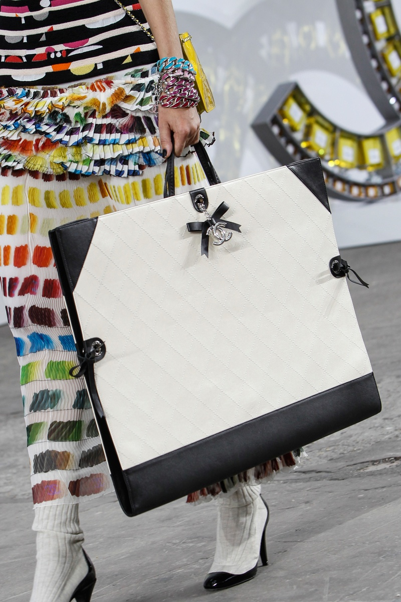 slide-show-chanel-novelty-bags18_145538903577.jpg_gallery_max