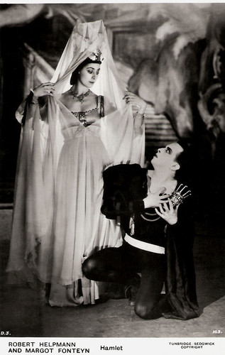 Robert Helpmann and Margot Fonteyn in Hamlet