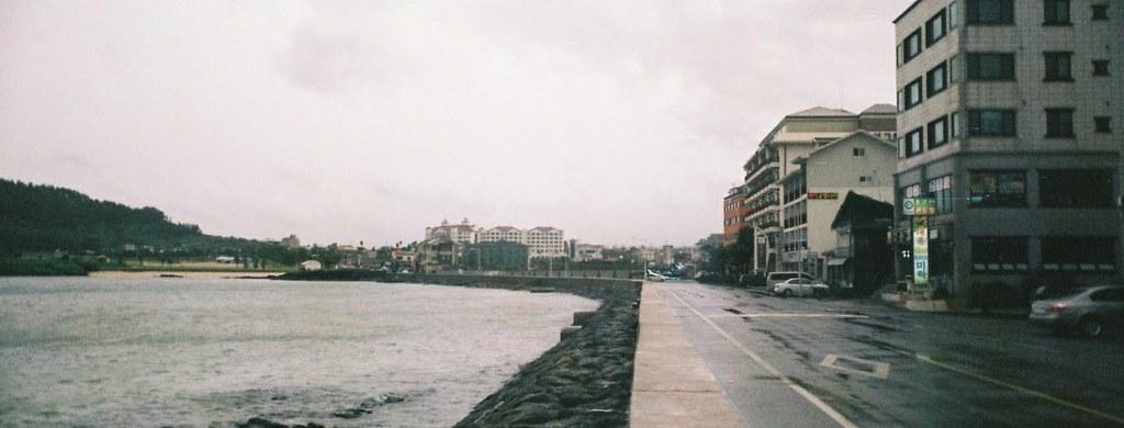 Hamdeok Seawall Rain