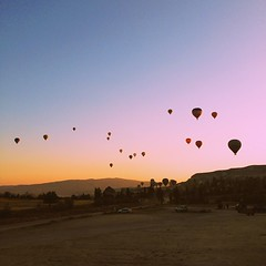 Good morning from #cappadocia #hotairballoon #turkey #sunrise #sky #travel #wanderlust