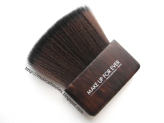 MUFE Artisan Brush Body Kabuki 414
