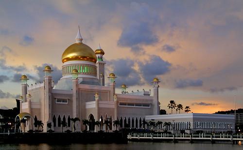 Brunei.Sultan Omar Ali Saifuddin Mosque