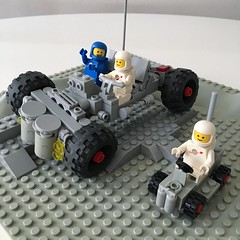 Reimagined / updated space buggy with suspension #LEGO #classicspace #vintage space buggy #886