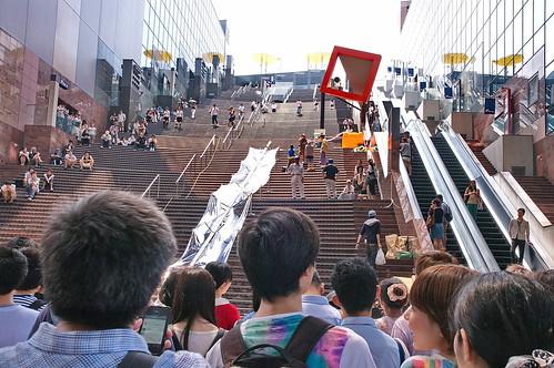 【写真】京都駅・大階段流しそうめん