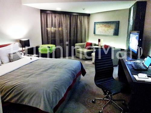 Traders Hotel 02 - Bedroom