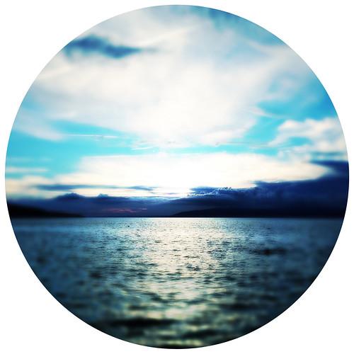 pink blue sunset sea sky cloud mer blur water rose square landscape blurry eau dusk croatia bleu og ciel round disc nuage paysage crépuscule flou adriatic coucherdesoleil carré croatie iphone adriatique rond disque cres iphoneography hipstamatic tinto1884