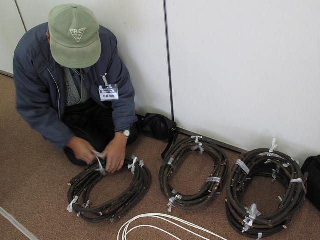 坂井先生が用意してくださったかんじきの輪.ミヤマガマズミは「わなぐし」という方言で呼ばれる.