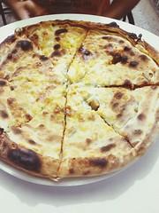 tarte flambã©e(0.0), pizza cheese(0.0), meal(1.0), breakfast(1.0), italian food(1.0), pizza(1.0), baked goods(1.0), food(1.0), dish(1.0), cuisine(1.0), tortilla de patatas(1.0),