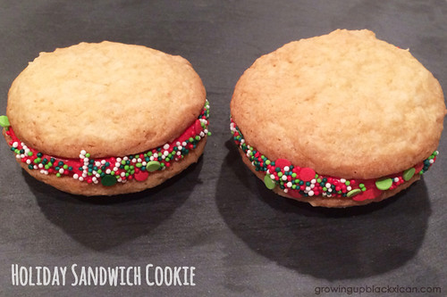 holiday sandich cookie