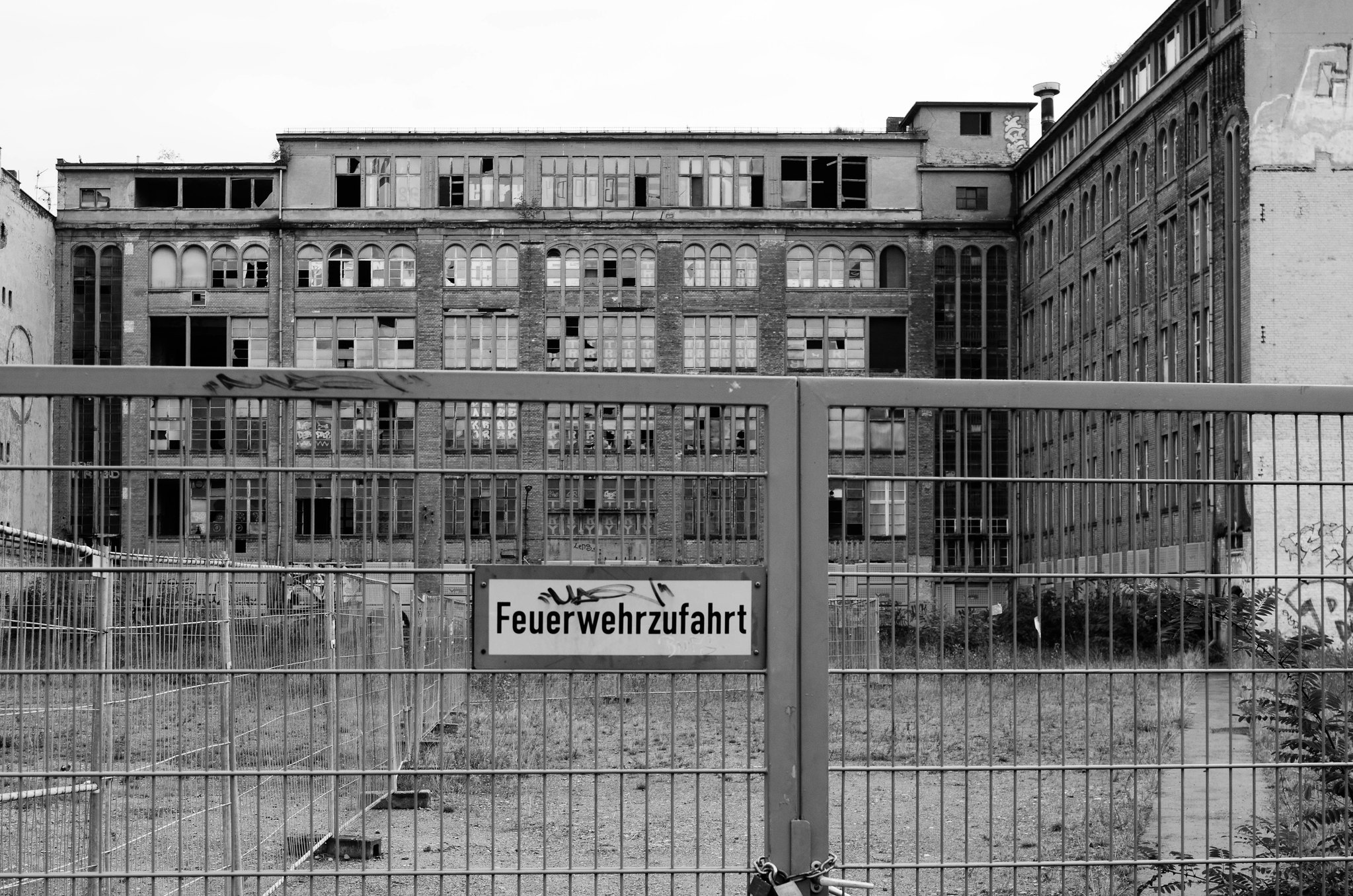 Derelict building in Berlin B&W