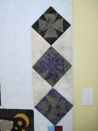 Winding Wasy Table Runner_2