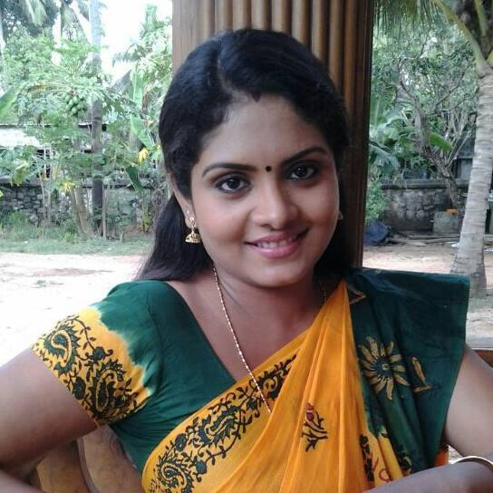 "Parasparam Serial Actress ""Gayathri Arun"" (Deepthy) Photos"