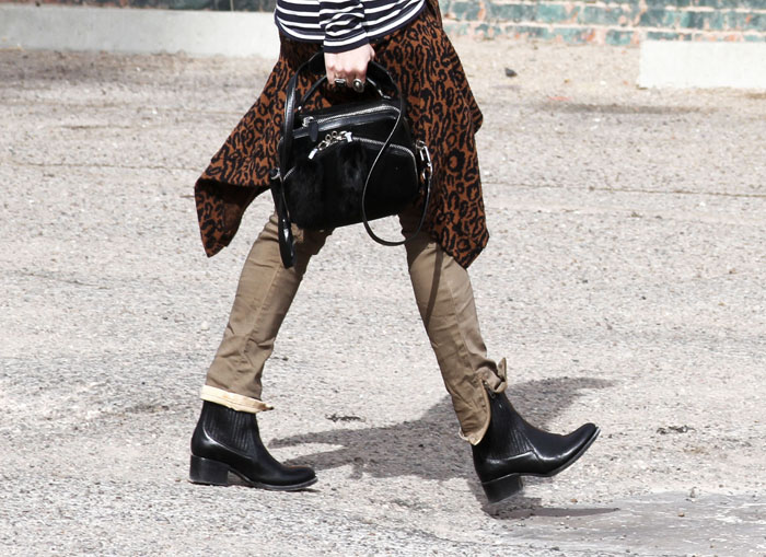 elizabeth-and-james-flat-boots-street-style