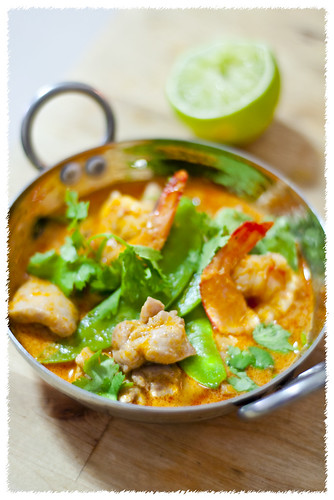 Thai Red Curry with Prawns, Chicken and Snow Peas