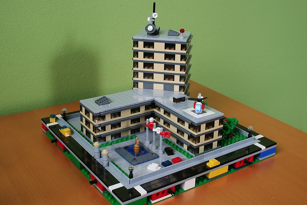 LEGO micropolis: hospital 1