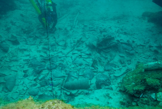 A view of the Punic shipwreck cargo remains at the Binisafuller shipwreck site. Courtesy Ecomuseum de Cavalleria, Sanisera Field School