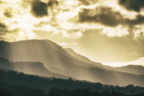 morning light mountains clouds landscape nikon australia 300mm queensland fields cloudporn mainrangenationalpark swanfels d800e