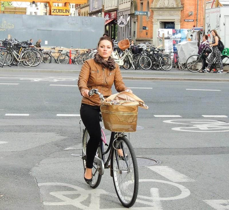 Sunshine Cycle Chic 2/2