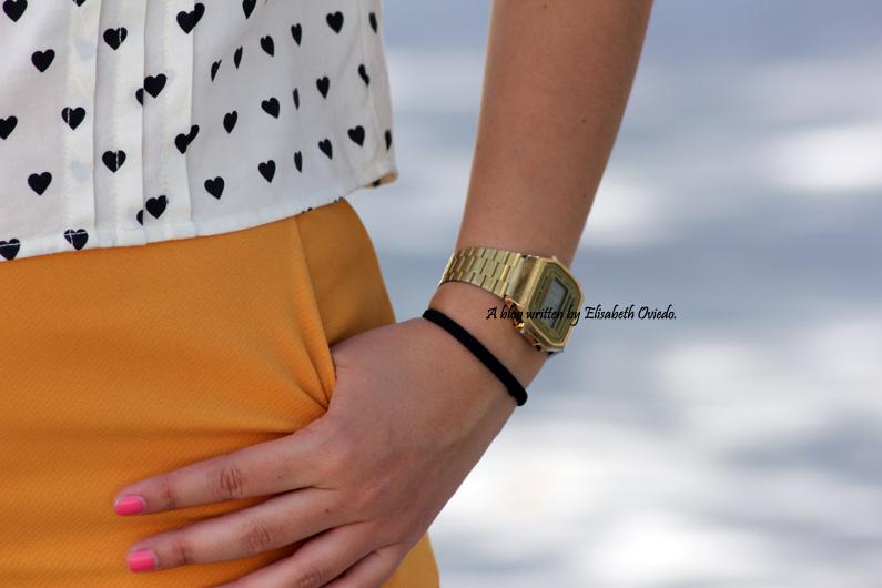 shorts-naranjas-OASAP-y-camisa-de-corazones-heelsandroses--(10)