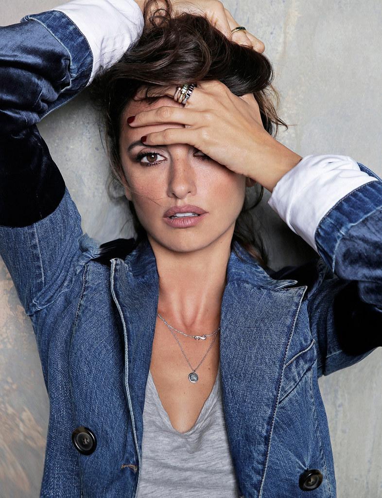 Пенелопа Крус — Фотосессия для «Elle» ES 2016 – 8