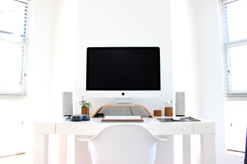 mac tech setup office - Credit to https://homethods.com/ | by homethods