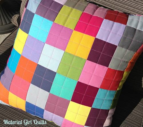 Bella pillow quilting detail