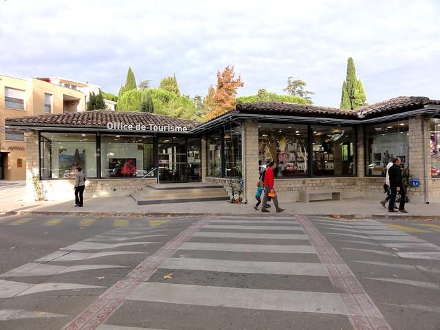 Office de tourisme vaison la romaine fr84 flickr - Office du tourisme de vaison la romaine ...