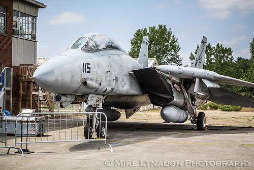 "Grumman F-14B Tomcat - VF-32 ""Swordsmen"" - 162694 - Military Aviation Preservation Society (MAPS) Air Museum - North Canton, Ohio"