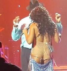Toni Braxton sexy wardrobe malfunction
