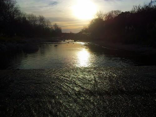 Atardecer en el río