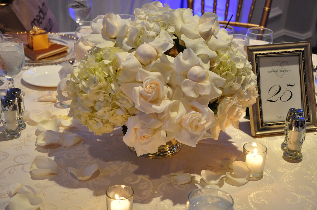 Chicago Wedding Flowers Experts Unique Low Floral Centerpieces