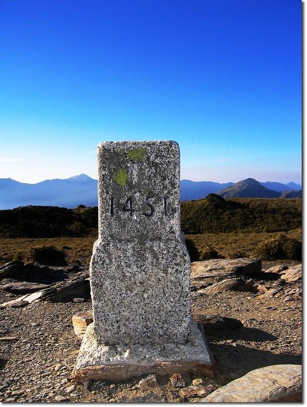北合歡山二等三角點(#1451 Elev.3422 m)