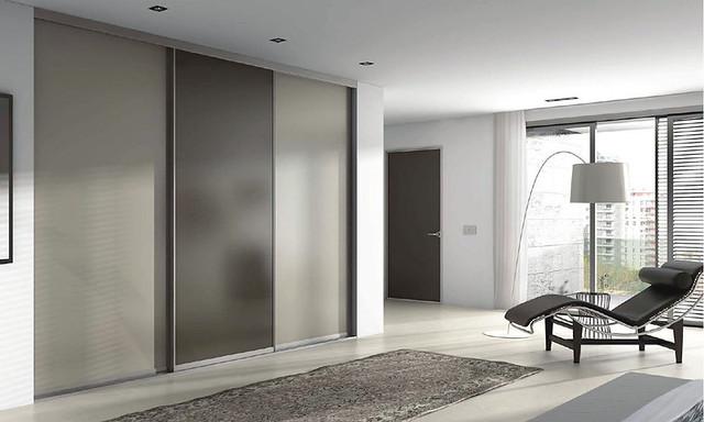 Puertas en aluminio y vidrio for Puertas correderas de cristal para exterior