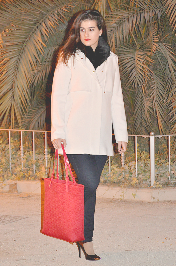 something fashion valencia españa spain blogger moda outfits winter what to wear, firenze 4ever white coat fur vest mango michael kors bag, ankle strap la strada heels high shoes