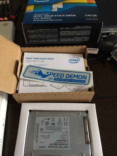 これがIntel SSDの中身