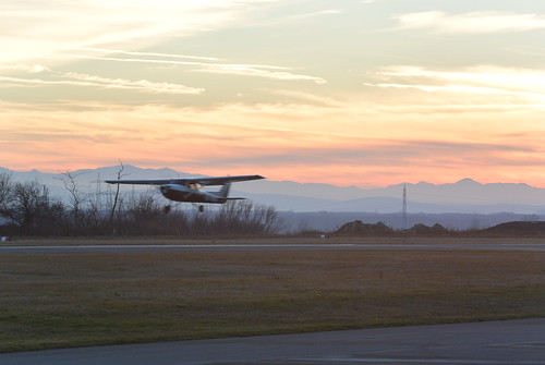 sunset aviation flugplatz c150 stockerau loau