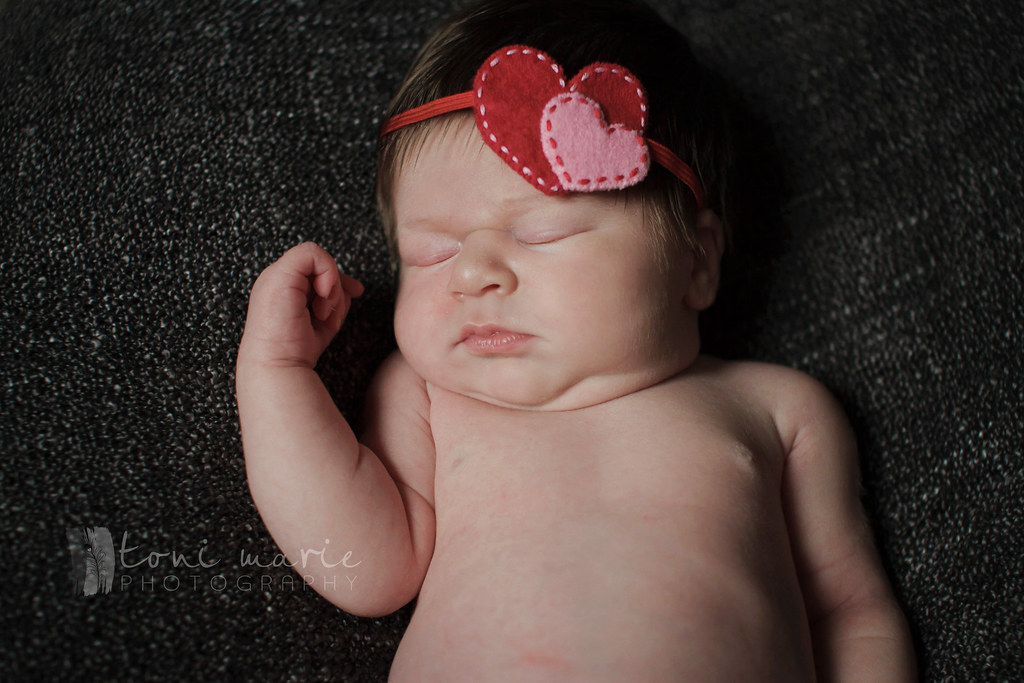 pflugerville newborn photographer - Toni Marie Photography