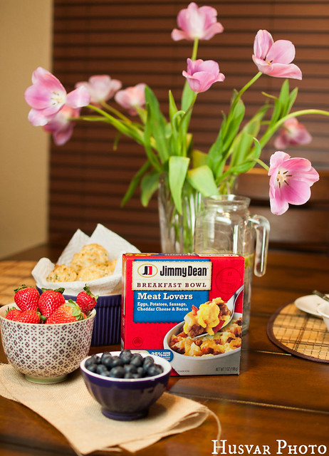 Jimmy Dean breakfast bowl in_the_know_mom #RedBoxBreakfast