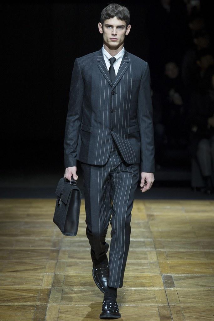 FW14 Paris Dior Homme013_Arthur Gosse(VOGUE)