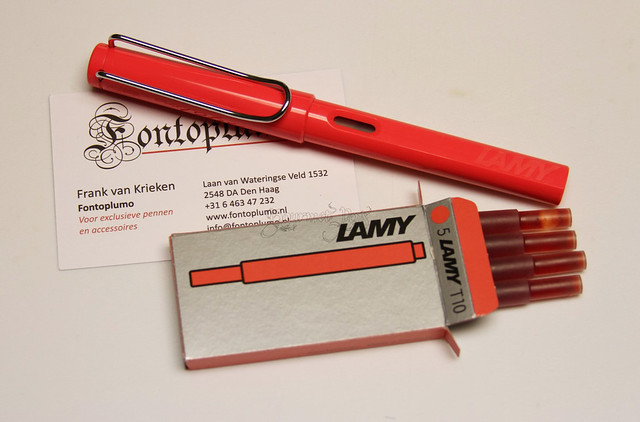Review: @Lamy Safari LE 2014 Neon Coral Fountain Pen @Fontoplum0 @LamyUSA