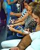 ¿Cuántos teléfonos móviles hay en esta fotografía? #mobile #phone #phones #yesterday #tuesday #BuenosAires #igers #igersbsas #latergram #travel #metro #subway #subte