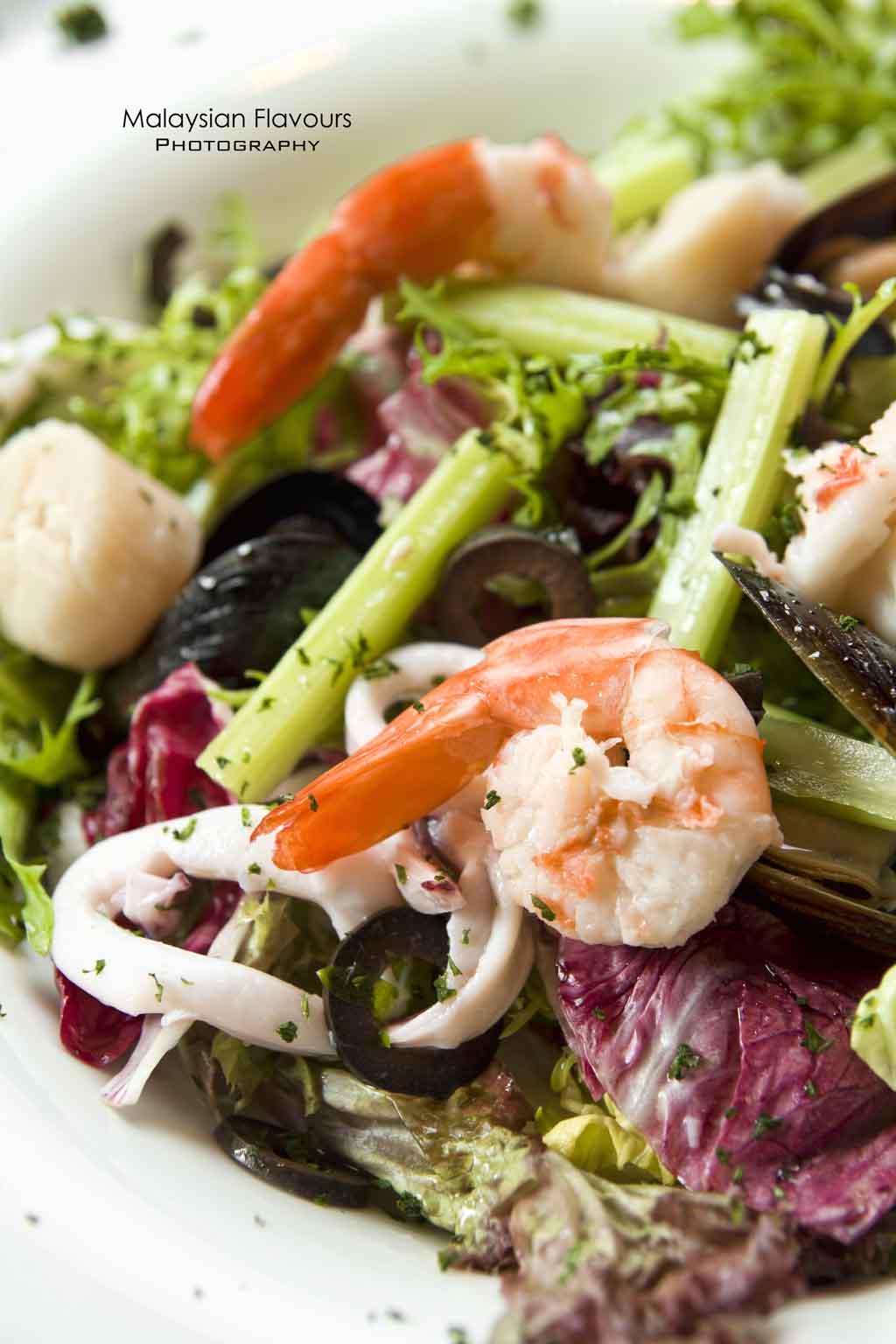 blu-med-salad