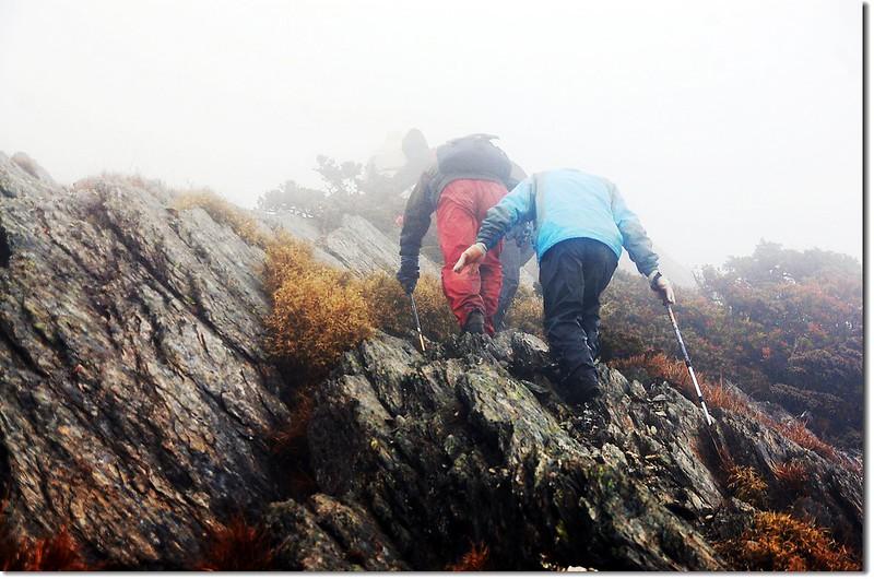 攀越刀片岩 1